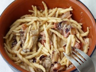 Trofie con radicchio e funghi porcini - Ricetta Petitchef