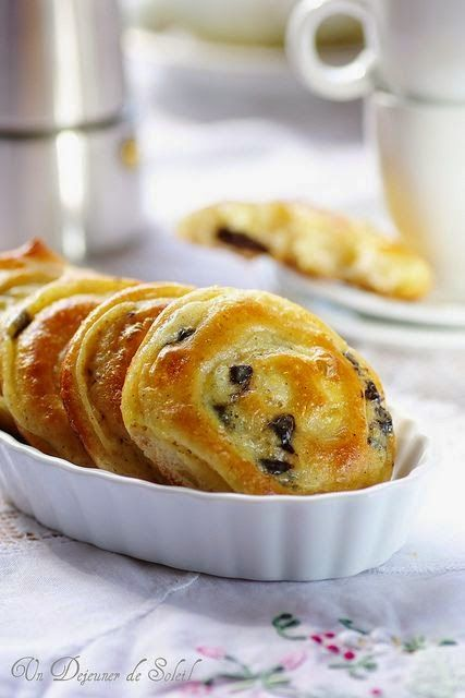 cuizine: Recette des petites brioches roulées à la crème et pépites