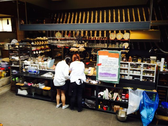 Блошиный рынок @ BookCooks кафе, Букчон Сеул-каждое последнее воскресенье месяца