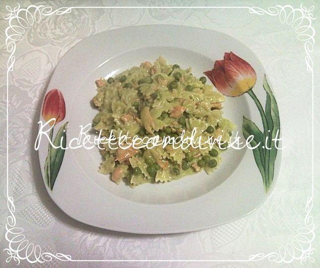 Ricetta mini farfalle con piselli, crema di piselli, salmone e panna di Teresa Mastandrea