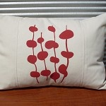 Cushion Cover - offwhite with red/orange design - by littlebitme on madeit