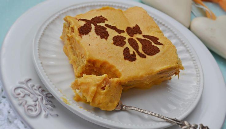 Itt van már a sütőtök szezon, én nagyon szeretem magában megsütve is, de gyakran készítek belőle édességet is, de zöldségekkel ke...