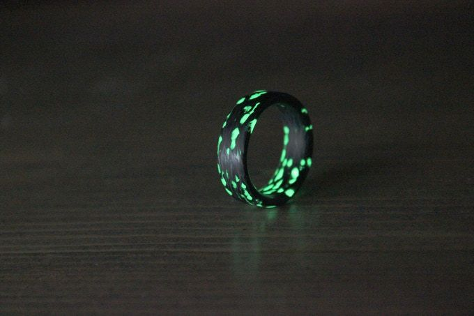 ALIEN CARBON FIBER RINGS.