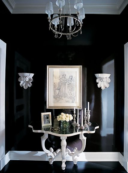 gloss black - Yes it might be bold, some might say it's ugly! But this small piece of furniture could make your hallway be not only sophisticated but appealing...