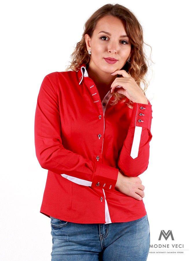d97d4a68ff79 Výrazná červená farba dodáva košeli dokonalý vzhľad. Košeľa je doplnená o  kvetinový vzor