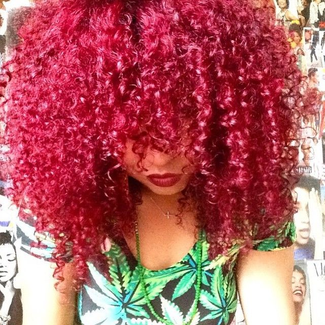 || HAIRSPIRATION || Curl crushing on @NaturallyTash's curly #redhair ❤️ Love the color and those #curls➰➰➰ So bold #VoiceOfHair ========================= Go to VoiceOfHair.com ========================= Find hairstyles and hair tips! =========================