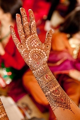 Bridal Henna/mehndi on Hands and Feet services available in Fairfax, VA at Indus Boutique http://www.indusboutique.com/henna-on-hands-feet.php