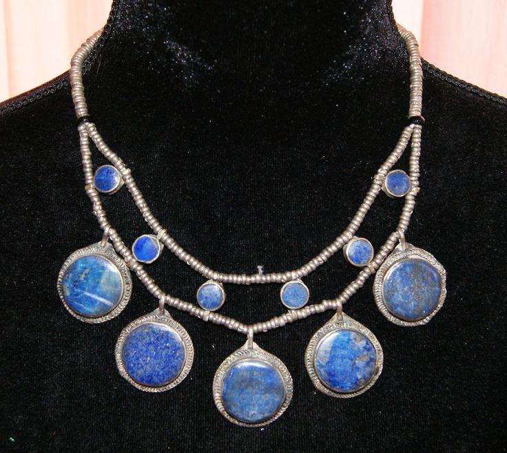 Tribal Fusion Halssnoer zilverkleurige kralen ingelegd met blauwe stenen TrH5