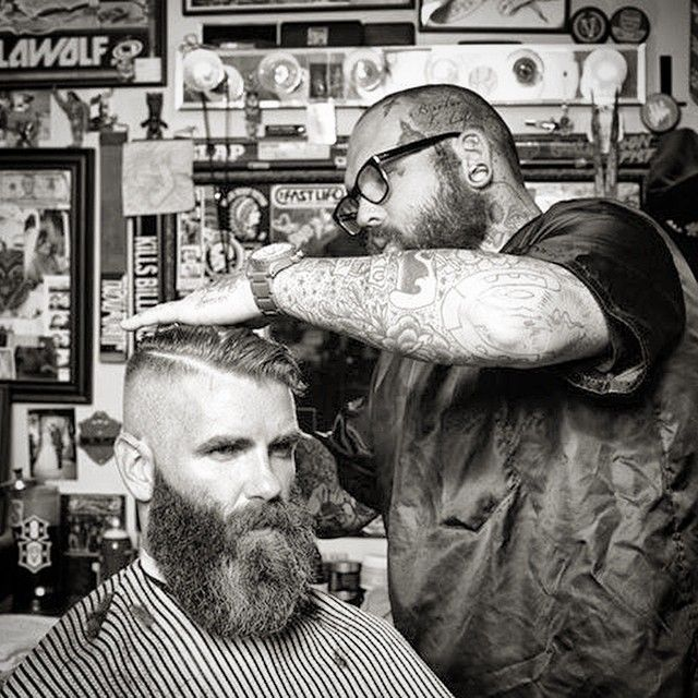 Owner of @theproperbarbershop, Vinnie, slays the tightfade and straightedge. Photo by @danielbergeronphoto for @dasboomind