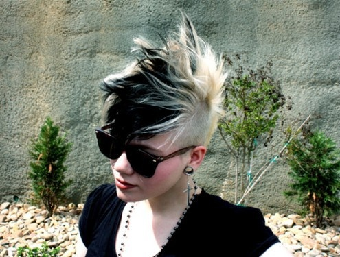black and blonde mohawk #hair #girl #sunglasses