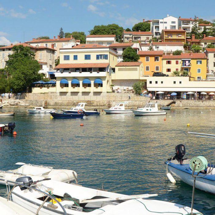 Erlebe einen unvergesslichen Urlaub auf der Halbinsel Istrien. Entdecke die wunderschöne Kvarner-Bucht für dich. Wandere durch die reizvolle Umgebung oder …