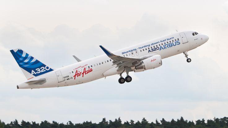 http://upload.wikimedia.org/wikipedia/commons/9/9e/F-WWIQ_Airbus_A320_sharklet_ILA_2012_03.jpg