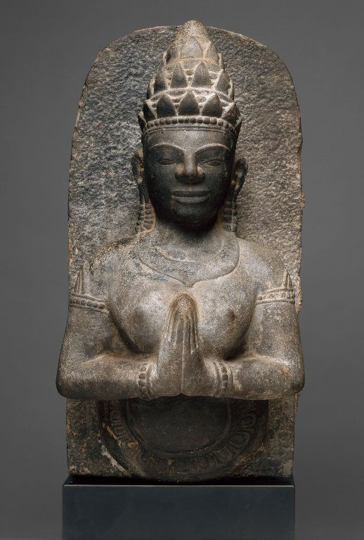 Vietnam Binh Dinh province, Thu Thien Celestial Beauty (Apsara) in Adoration, Champa period, c. 1100 #