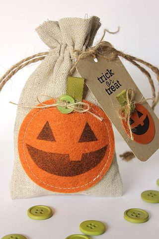 Jack-O-Lantern Treat Bag & Tag by Heather Nichols for Papertrey Ink (September 2013)