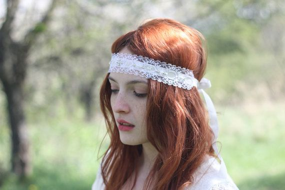 A boho headband - this bridal lace headband has been created using white lace applique from 1960s. It is in a great condition. It is a English style