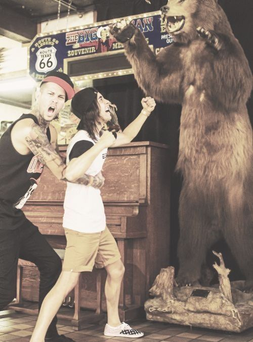 Mike Fuentes, Vic Fuentes that is the cutest thing ever:) hes holding him back ........      (Cute)