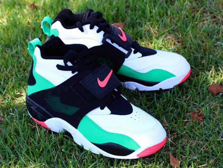 The Nike Air Diamond Turf Gamma Green/Atomic Red features bright colors on  Deion Sanders' first Nike Signature shoe.