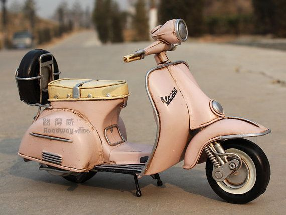Miniature Retro Style 1955 Vespa Motorcycle Model Hand Made Metal Toy Car Home Decor Office Decor Gift