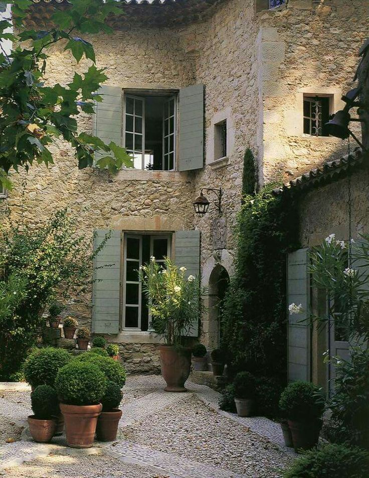 Courtyard gravel  French country manor