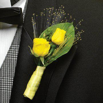 http://www.wedding-flowers-and-reception-ideas.com/images/john-deere-wedding-008.jpg