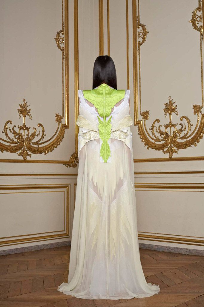 Givenchy Spring 2011 Couture Fashion Show