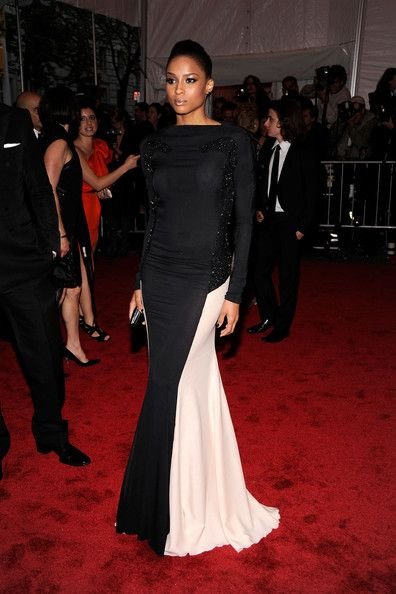 """Ciara Photos - Singert Ciara attends """"The Model as Muse: Embodying Fashion"""" Costume Institute Gala at The Metropolitan Museum of Art on May 4, 2009 in New York City. (Photo by Larry Busacca/Getty Images) * Local Caption * Ciara - """"The Model As Muse: Embodying Fashion"""" Costume Institute Gala - Arrivals"""