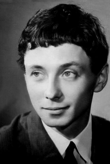Оле́г Ива́нович Даль (25 мая 1941, Люблино, Московская область, — 3 марта 1981, Киев) — советский актёр театра и кино. Автор стихотворений и театральных постановок.