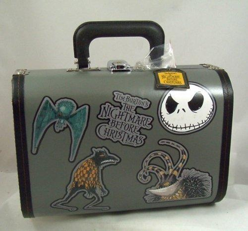 Oooh, I want a Nightmare Before Christmas purse! Love the wallets and backpacks too, but my absolute favorite is the lunchbox!