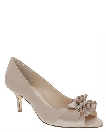 For our sweet sophisticate mother of the bride, we love a champagne crystal satin peep toe low heel pump accented with a delicate ruffle and shimmering crystals. | Nina Shoes Carinne http://ninashoes.com/carinne-champagne-crystal-satin--19129?c=939&utm_source=Pinterest&utm_medium=Social%20Media%20Campaign&utm_campaign=Carinne%20Champagne%20Crystal%20Satin