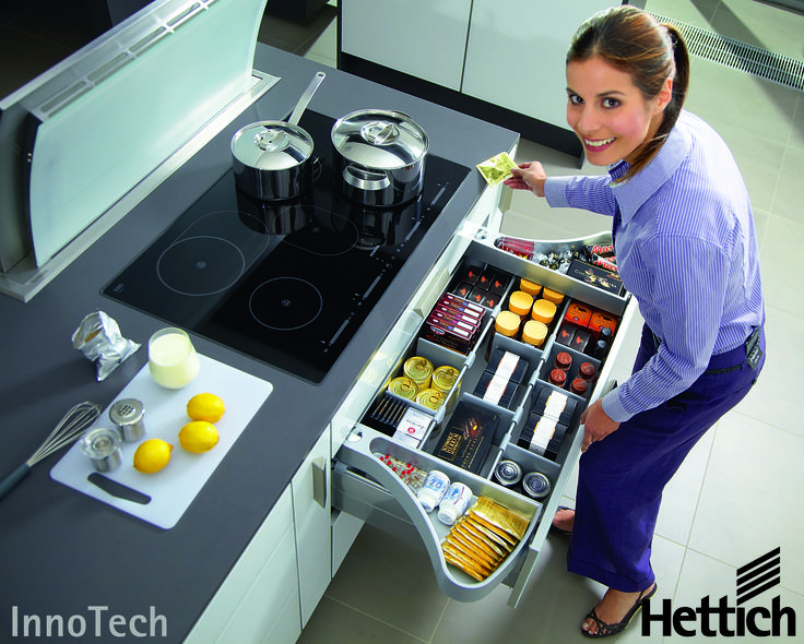 The InnoTech drawer system from Hettich has multiple interior organisation systems to suit any taste. Click on the pin for more inspiration & information! #kitchendrawers #kitchenorganization