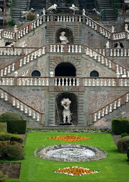 Giardino storico di Villa Garzoni Collodi by Bibi015, via Flickr