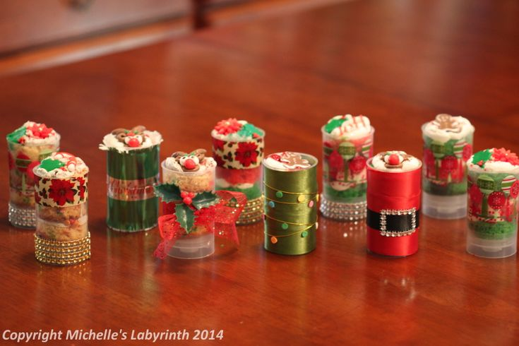 Michelle's Labyrinth Christmas Push Pops [December 2013] Cake Decorating