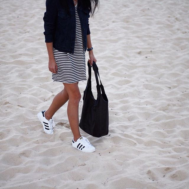 Afternoon beach walks  // @status_anxiety @ayr @niqueclothing #adidasoriginals