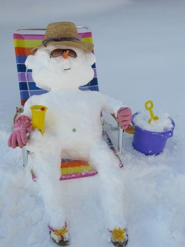 Snowman pictures: Creative snowmen and snow sculptures - chicagotribune.com
