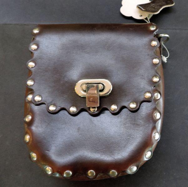 Petit sac en cuir clouté de Ambix jewelry sur DaWanda.com