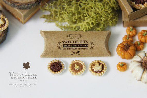 DRIE diverse Mini herfst taarten in Dollhouse miniatuur Dessert 1/12e