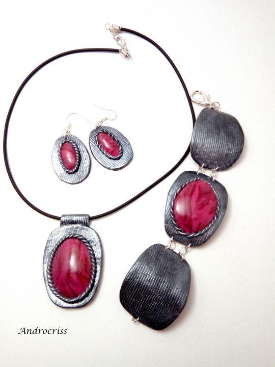70 LEI | Seturi handmade | Cumpara online cu livrare nationala, din Focsani. Mai multe Bijuterii in magazinul androcriss pe Breslo.