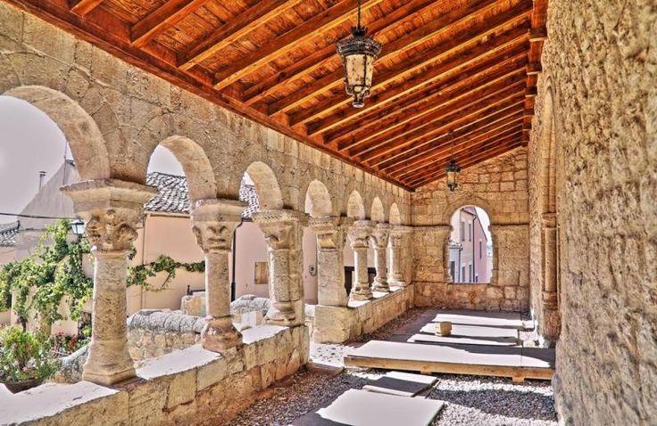 San Esteban de Gormaz, provincia de Soria - Galería porticada románica de la iglesia de San Miguel