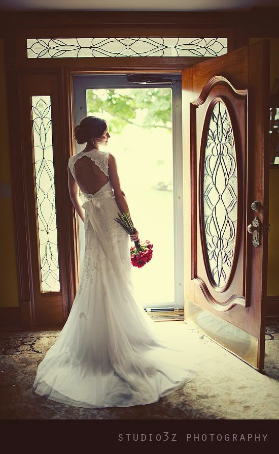 open back gown with lace | landlocked bride® | midwest + mountain west wedding inspiration