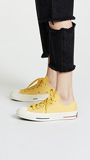 a69dd9fb0d9 Converse Chuck Taylor All Star 70 Ox Sneakers