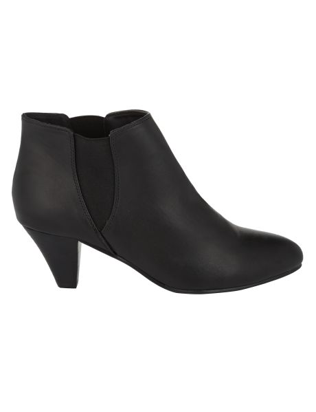 #NewandNow A classic pair soft pointy ankle boots in a wide fit.