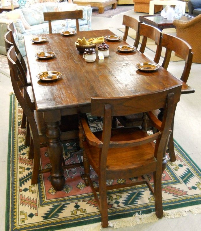 25 best ideas about rug under dining table on pinterest living room decorating ideas - Engaging images of dining room decoration using retro style dining table ...