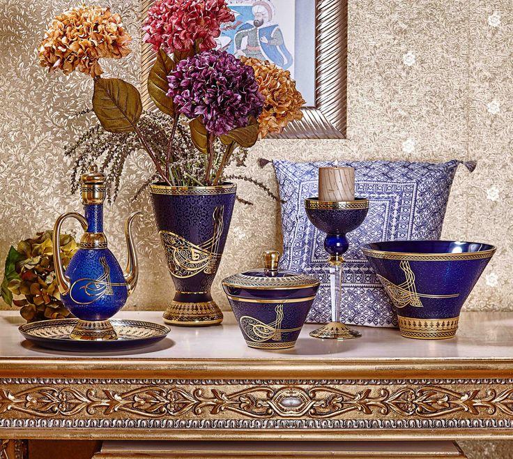 Zigetvar kuşatması sırasında vefat eden, Muhteşem Padişah Kanuni Sultan Süleyman'ın 450.ölüm yıldönümü anısına Decorium'dan Kanuni Koleksiyonu...#decorium #tarihedokun #saray #osmanlı #kanuni #sultansüleyman #aksesuar #dekorasyon #decor #musthave #household #lavish #history #luxury #classic #handmade #madeinturkey #sunum #decoration #dekor #inspiration #glassware #hediye #gift #butik #accesorries #boutique #vase #bowl #ewer #candleholder #candybox #vazo #kase #ibrik #mumluk #şekerlik