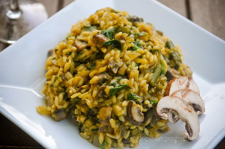<p>Have you ever had risotto? It's so creamy and smooth and decadent you'd swear it was covered in butter or cheese (and it often is!) – but did you know it's really easy to make yourself and doesn't need any dairy at all? True! </p>