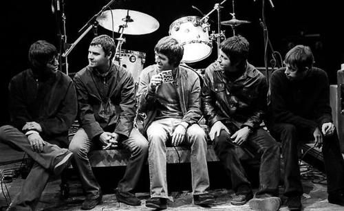 Oasis.. who knew I'd find a pic where they don't look like complete tools bags