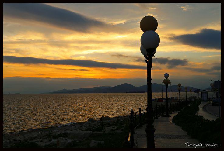 https://flic.kr/p/24JnpHG | Δύση ηλίου, Πειραϊκή.