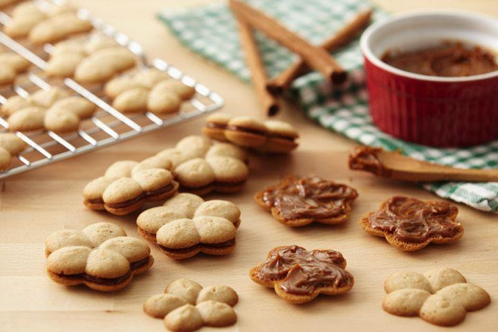 Confectioners' Sugar Glaze Icing