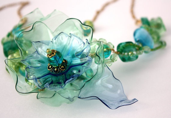 Plastic Bottle Flower Necklace by www.ArtePlastique.etsy.com