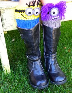 Boot cuffs with attitude! Make as a treat bag or purse too.