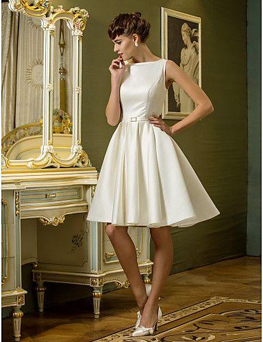A-Line bateau la rodilla-longitud del vestido de boda del satén con drapeados (710790) - EUR € 48.67